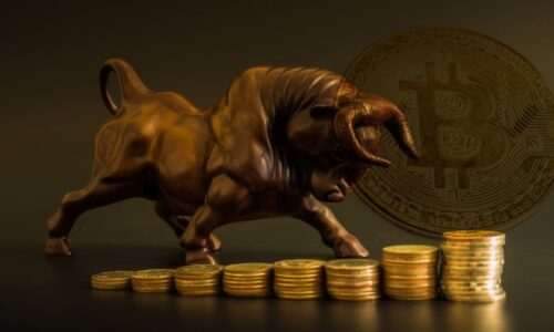 Bitcoin Bulls Try To Cling To $8,300 Levels